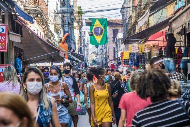 América Latina, la región más afectada, supera los 10 millones de contagios