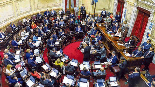 el pleno. La Cámara de Senadores se encamina a derogar los privilegios de jueces y diplomáticos.