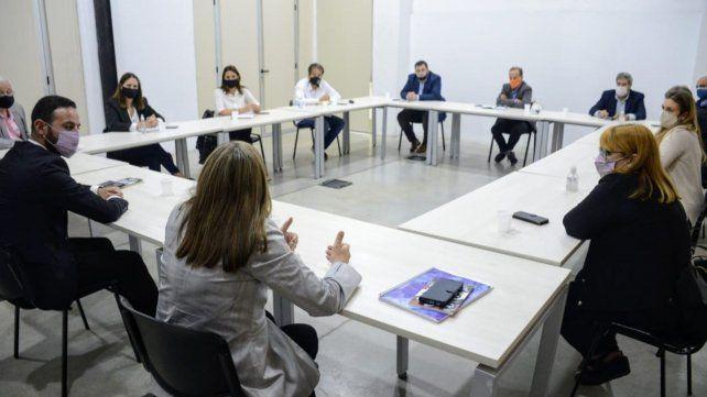 """La Comisión de Seguimiento insiste con la """"salida política"""" para superar la crisis de Vicentin."""