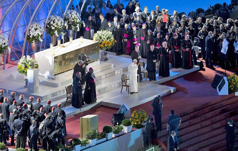 Multitudinario. El Papa