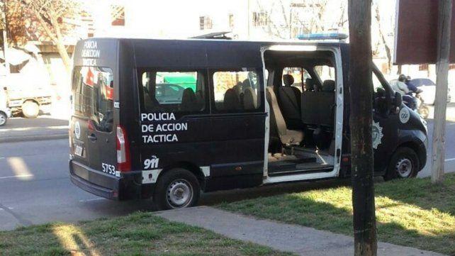 La Policía de Acción Táctica (PAT) detuvo a un sospechoso.