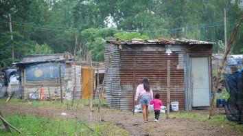 El 20 de septiembre más de 80 familias tomaron un predio de cuatro hectáreas detrás del campo de deportes del Colegio Cristo Rey, en la zona oeste de la ciudad.