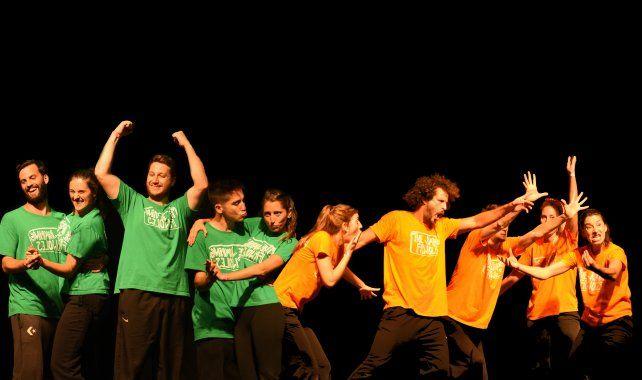 """La obra """"The Jumpling Frijoles hacen el Match"""" se presenta en el marco del ciclo Teatro Frente al Río."""