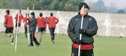 Sensini hará un cambio en Newells para visitar a Vélez