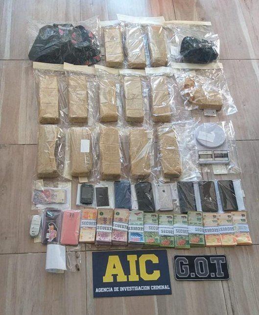 14 ladrillos de marihuana fueron encontrados en la casa de Sabrina Jaquelina D.