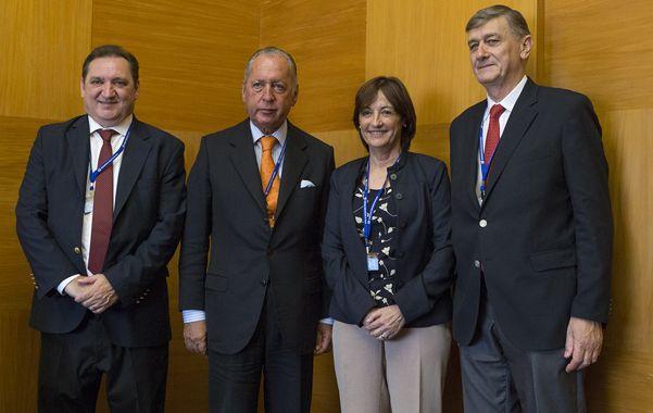 Encuentro en Suiza. El ministro Genesini