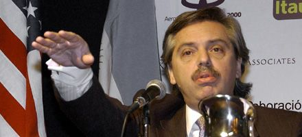 El gobierno se distancia de Macri y Castells: Ni cortes ni palos