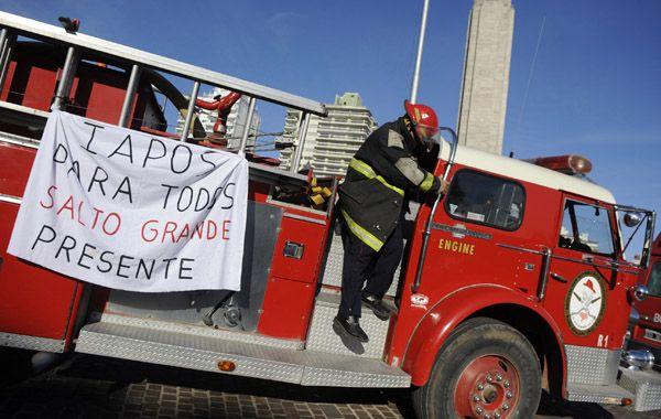 Cuarteles de Bomberos Voluntarios de distintos puntos de la provincia se sumaron a la movida liderada por sus pares de Rosario