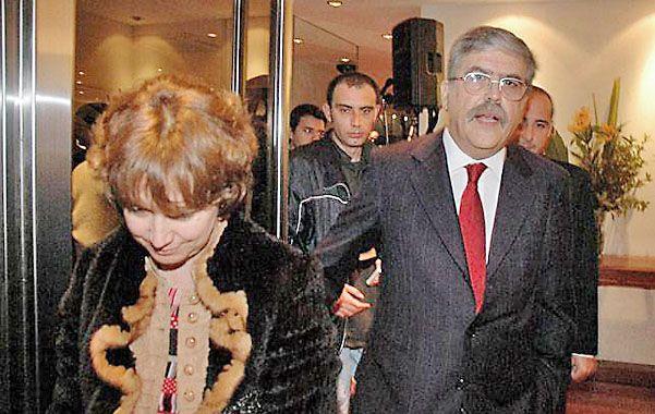 """Otra vez. Alessandra Minnicelli y De Vido están sospechados de """"omisión de bienes en declaraciones juradas""""."""
