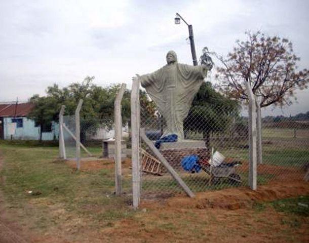 El Cristo de los Pescadores está en el ingreso al Remanso Valerio
