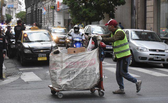 Trabajo en la calle. El municipio encuestó 503 recicladores urbanos.