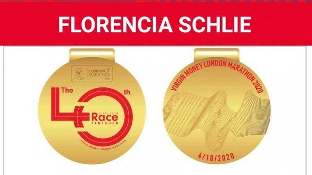 Reconocimiento I: La maratonista rosarina recibió una medalla de parte de la organización.