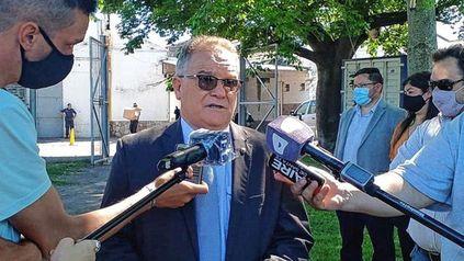 El ministro de Seguridad de Santa Fe, Jorge Lagna, dio declaraciones tras la entrega de vehículos policiales en la ciudad de Santa Fe.