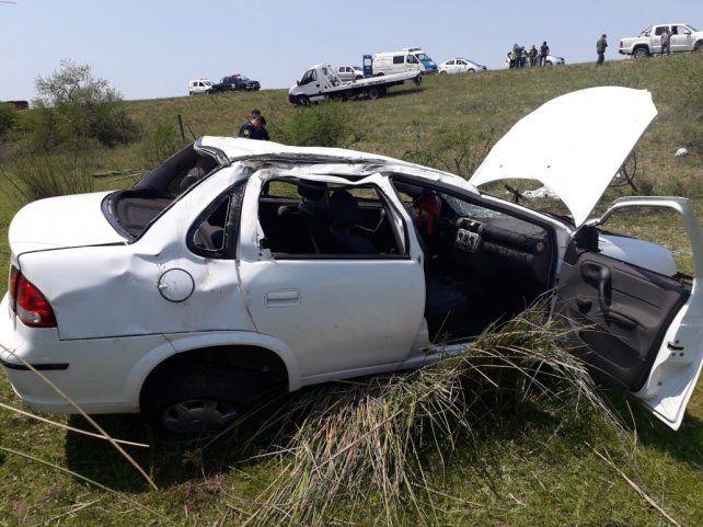 Dos expolicías santafesinas fallecieron al volcar su auto en la ruta Rosario-Victoria