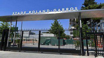 Será obligatorio usar mascarillas en el complejo, y todos los acreditados deberán someterse a pruebas de diagnóstico del virus para poder entrar a la burbuja de Roland Garros.