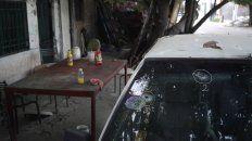 El auto de la familia y la vivienda quedaron marcados por los balazos