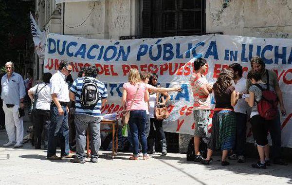 Los docentes de la Universidad Nacional de Rosario no dictarán clases.