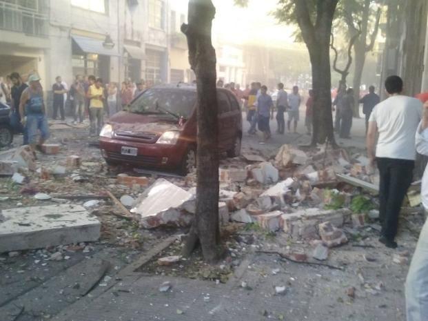 La explosión destrozó varias propiedades del edificios.