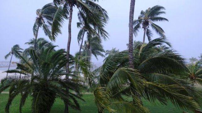 El huracán Dorian modificó su rumbo y va hacia Bahamas