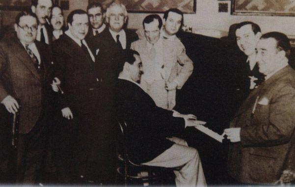 Al piano. Federico García Lorca