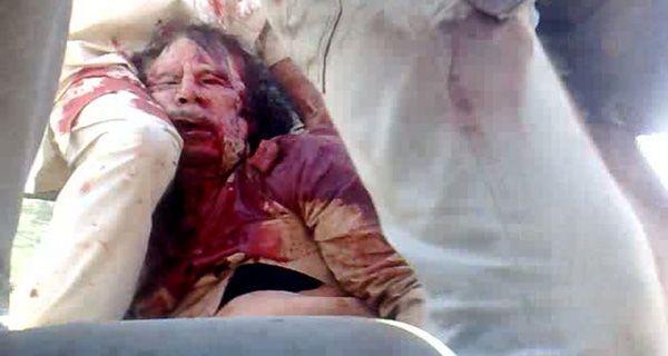 Los rebeldes libios mataron a Kaddafi tras un combate en la toma de su ciudad natal