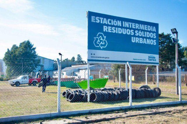 Venado Tuerto lanzó la campaña de reciclaje de neumáticos en desuso con particular éxito.