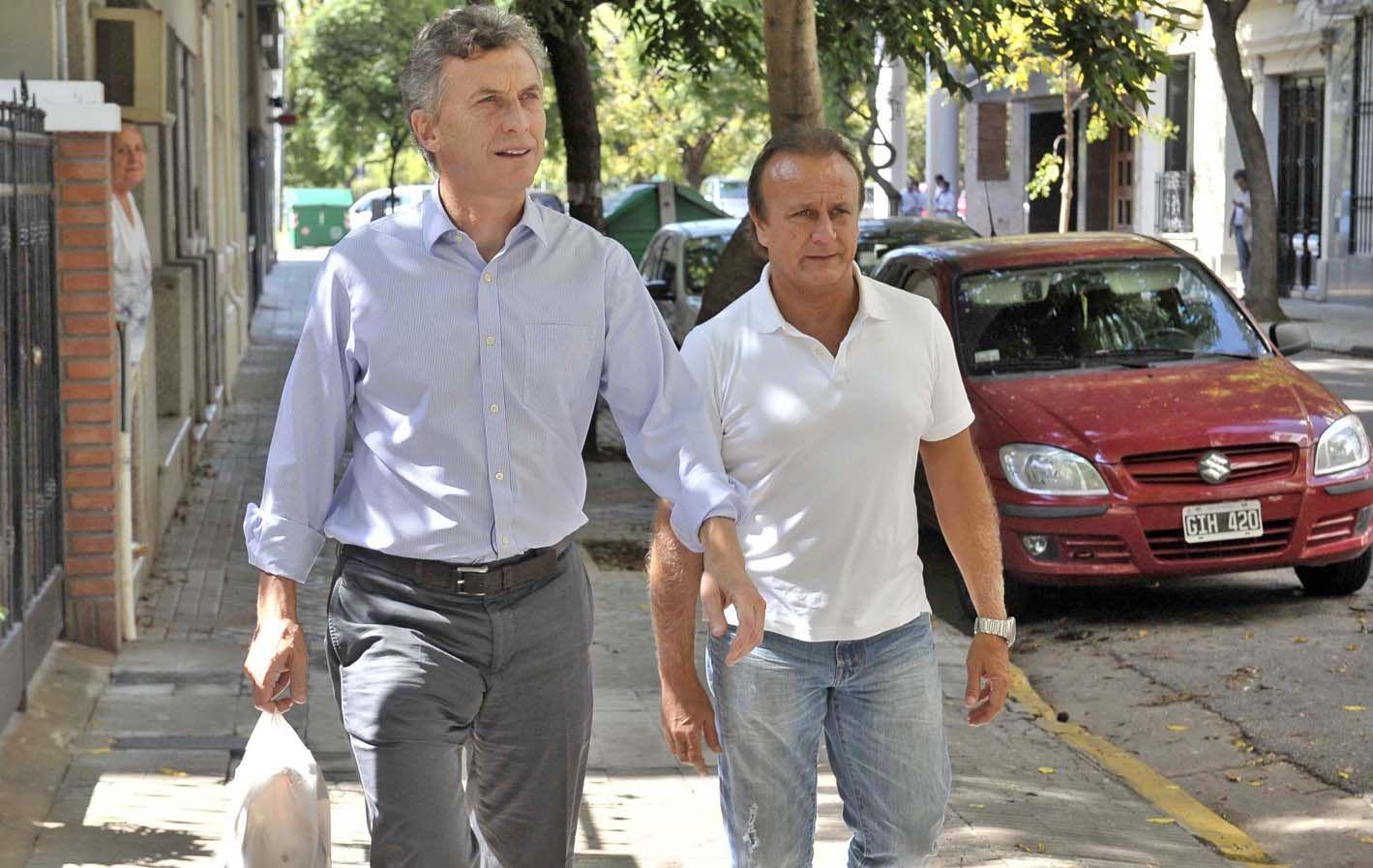 Macri y Del Sel caminaron la ciudad para explicar sus planes.