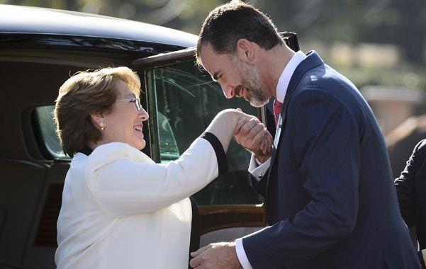 Bachelet inició ayer una visita de Estado a España.