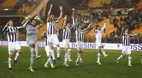 Milan y Juventus ganaron y siguen bien arriba en el calcio italiano