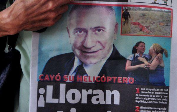 Dolor. Una seguidora de Oviedo llora desconsoladamente en Asunción.