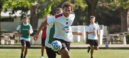 Newells: Sensini ensayó con el mismo equipo y esta tarde se suma Bernardi