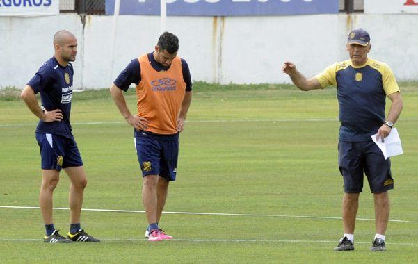 El entrenador auriazul volvió a poner a Matías Ballini en reemplazo del suspendido Nery Domínguez