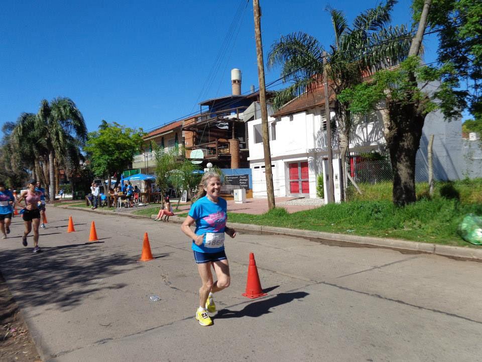 Fortaleza. La rosarina enfrentó con entereza los inconvenientes previos y durante el maratón. Finalizó en el 5º puesto.