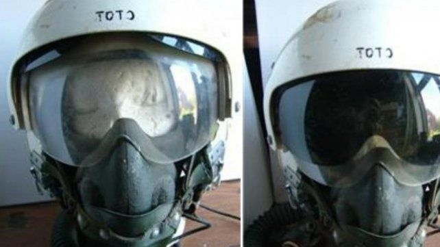 Perdido. El casco del piloto Navarro