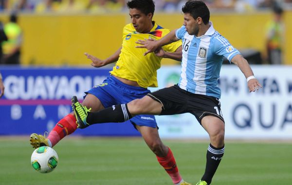 La pelota no dobla. Sabella intentará que su equipo juegue como en Bolivia.