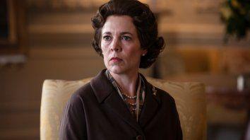 Colman brilla en el papel de Isabel II. Ni Lady Di ni Margaret Thatcher logran opacarla.