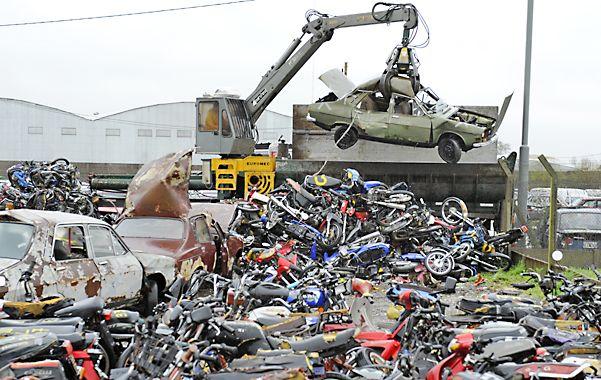 Este año el primer lote a ser compactado comprende 600 vehículos y 1.300 motos. (Foto: Suárez Meccia)