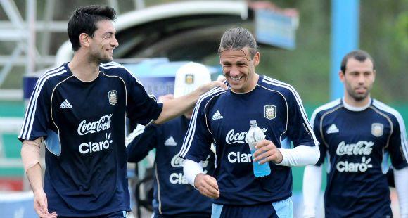 Demichelis, ya recuperado del golpe en la cabeza, volvió a entrenar con la Selección
