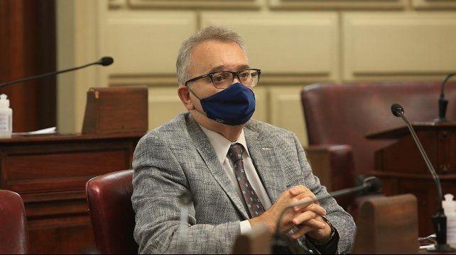 El diputado firmatense, Gabriel Real, sostiene que la planta de Rufino podría abastecer de oxígeno ante la gran demanda que se presenta por la pandemia.