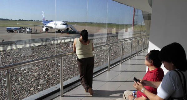 LAN podría dejar de volar hacia Perú desde Rosario
