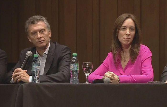El electo presidente junto a la próxima gobernadora de la provincia de Buenos Aires.