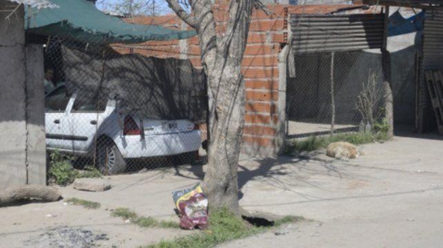 Olavarría al 1500 bis. La víctima fue acuchillada frente a su casa.