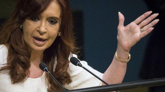Se difundió una transcripción de otra de las escuchas entre la expresidenta y Oscar Parrilli.