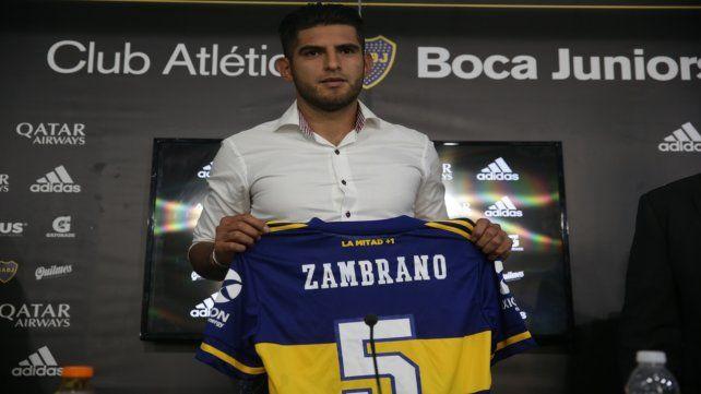 Será su marca. El defensor peruano será el dueño de la camiseta Nº 5.