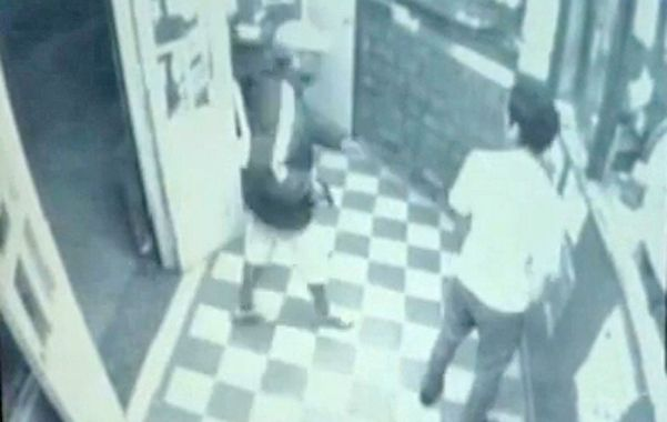 registrado. El pasado lunes a la noche tres ladrones asaltaron la agencia de loterías de Entre Ríos y Deán Funes.
