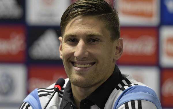 El defensor Federico Fernández será uno de los titulares el domingo ante Bosnia.