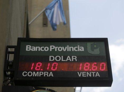 récord. La divisa volvió a subir ayer y además del factor estacional influyó el pago de las importaciones.