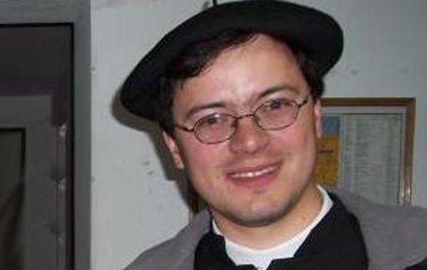 El padre Jorge Luis Hildalgo negó lo que difundió en la red social y se negó a hablar del tema.