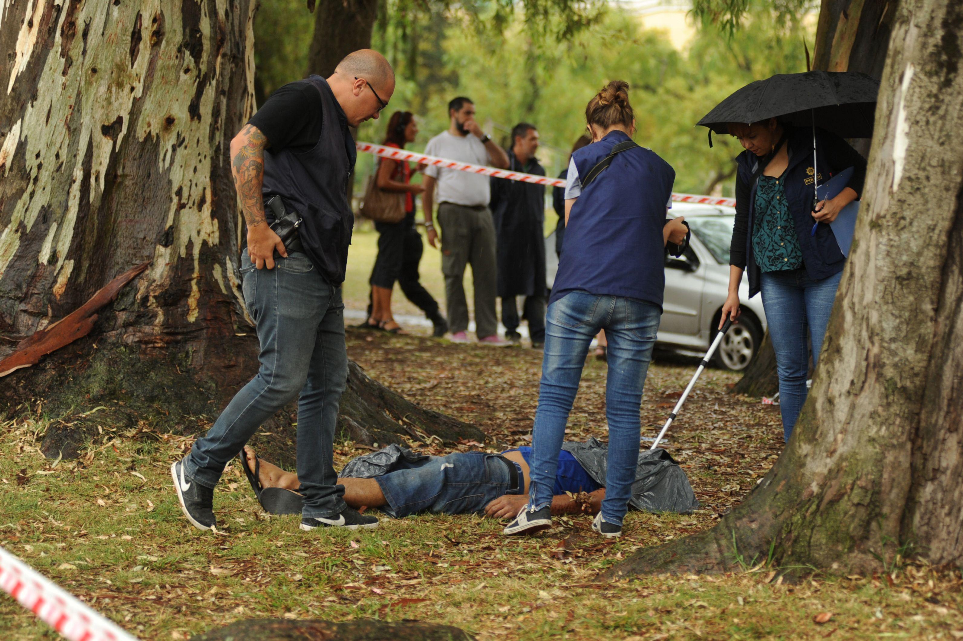 bajo los eucaliptus. Allí fue encontrado el cuerpo de Santiago Aguirre