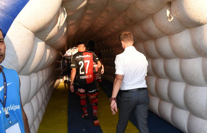 Newells entró en un túnel de interrogantes tras la salida como DT de Lucas Bernardi. (Foto: S. Suárez Meccia)